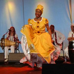 Afrokubanische Yoruba-TänzeMit Lisandra Cervantes FernándezNeue Yoruba-Kurse 2021!Für Anfänger / Fortgeschrittene, wöchentlich 60 min.