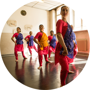 Bharatanatyam. South Indian Classical Dance with Rajyashree Ramesh In course A (beginners) few remaining places available. Aug 2020 – Nov 2020, Sun. 16-17h, 60min, 200€ Please register now!